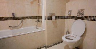 Объединение ванной и туалета