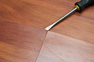 Почему скрипит ламинат на полу