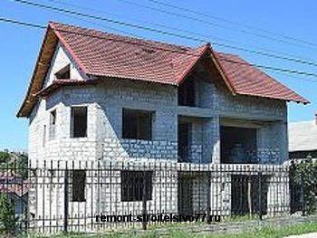 Кладка здания из камня известняка