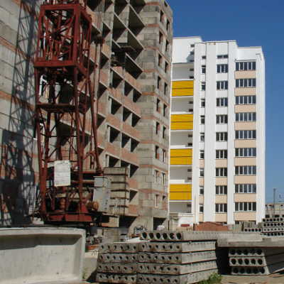 После составления сметы производится строительство дома